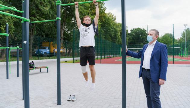У Вінниці відкрили реконструйоване спортивне ядро школи №33 - «Велике будівництво»