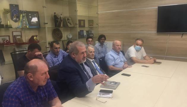 Представники Меджлісу зустрілися з учасниками скандального відео про кримських татар