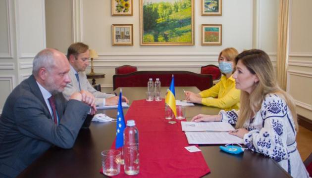 Джапарова і представник ЄС обговорили підготовку до саміту Україна-ЄС та ситуацію в Криму