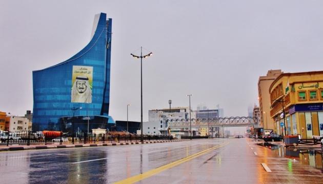 У Саудівській Аравії суд виправдав жінку, яка жила і подорожувала без чоловіків-опікунів