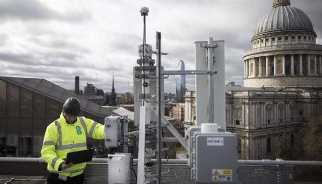 Британия просит Японию помочь в создании сети 5G без Huawei
