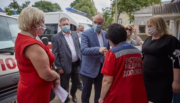 Зарплата медиків на 30% менша середньої зарплати в Україні - Степанов