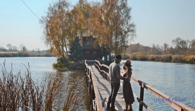 Житомирщина запрошує на романтичний турмашрут «Троянди та виноград»