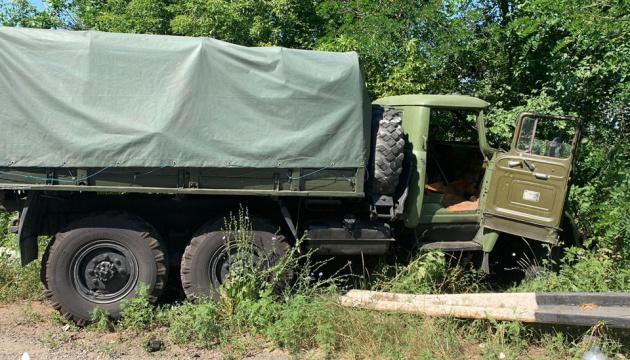 Військова вантажівка в'їхала у Lanos, двоє загиблих