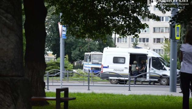 Захоплення заручників у Луцьку: терорист видав у 2014 році книгу