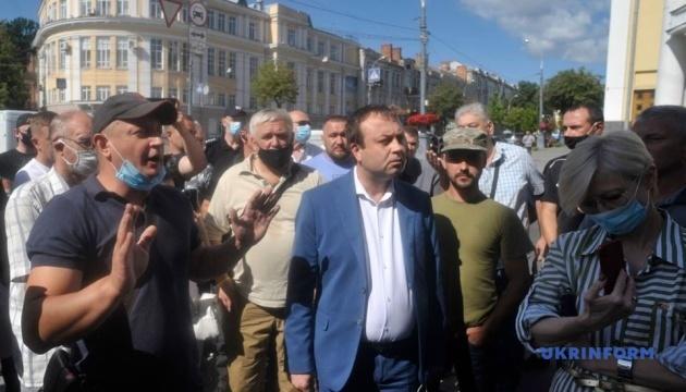 У Вінниці ветерани АТО протестують через покинутого напризволяще пораненого морпіха