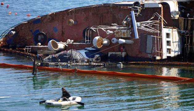 Власник танкера Delfi перешкоджає евакуації судна - Криклій