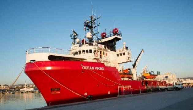 Порятунок мігрантів: Італія не пустила Ocean Viking в море