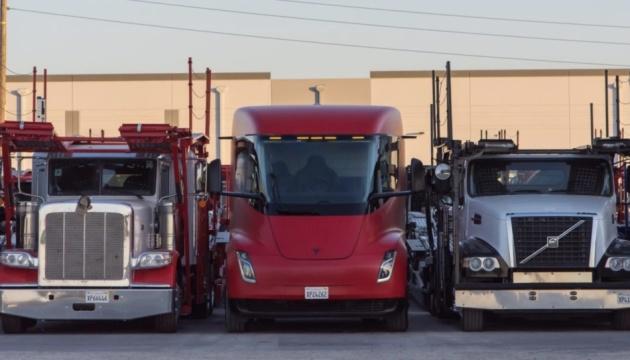 Tesla будет производить электрогрузовики в Техасе