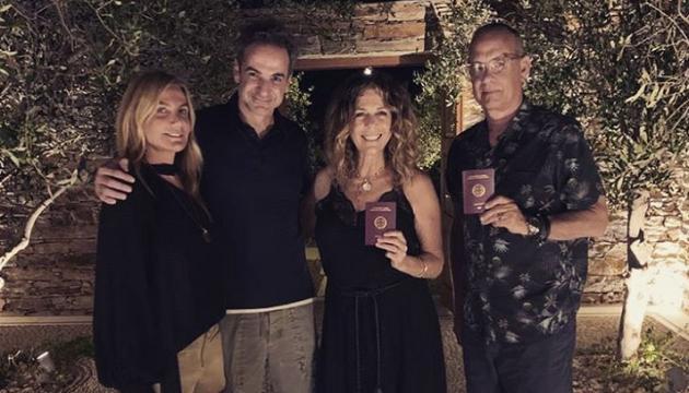 Том Генкс з дружиною офіційно стали громадянами Греції