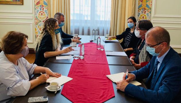 У МЗС обговорили роботу Червоного Хреста у Криму та на Донбасі