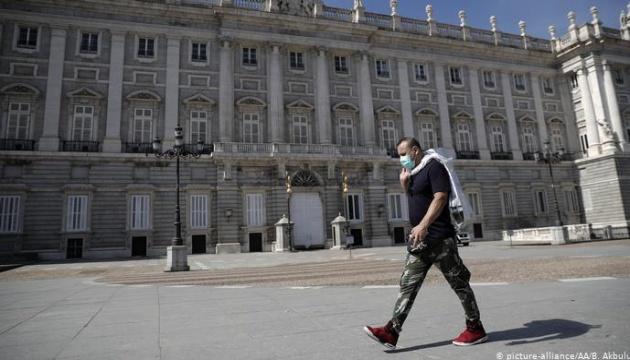 В 37 районах и пригородах Мадрида ввели строгий карантин