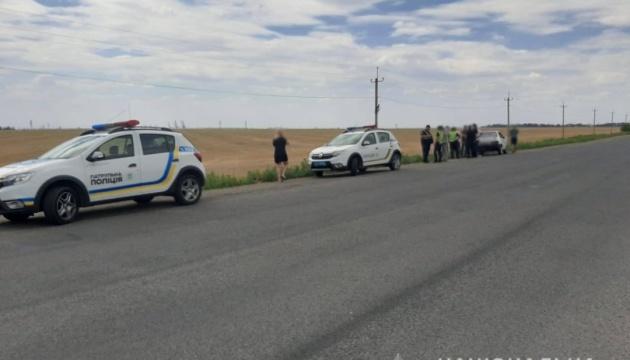 Обстріл автівки активіста на Одещині: поліція встановила нападників