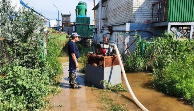 У курортній Кирилівці злива затопила 10 баз відпочинку