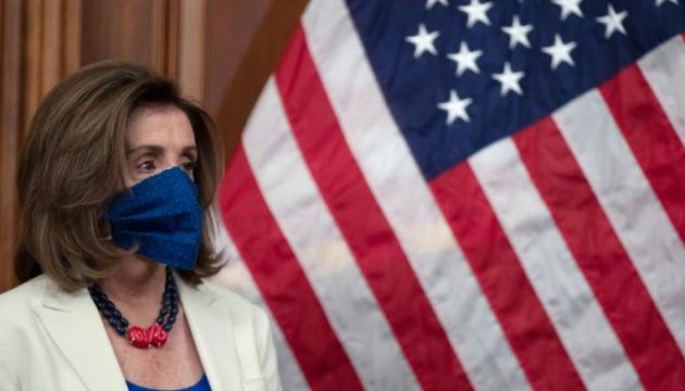 Американських конгресменів зобов'язали носити маски