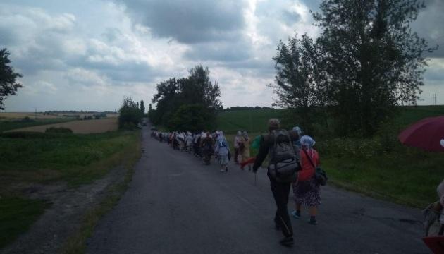 Село на Волині відмовило у ночівлі учасникам ходи до Почаєва, які порушували карантин