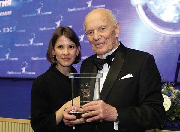 Борис Патон з онукою