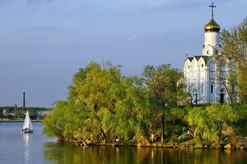 Монастирський острів у Дніпрі