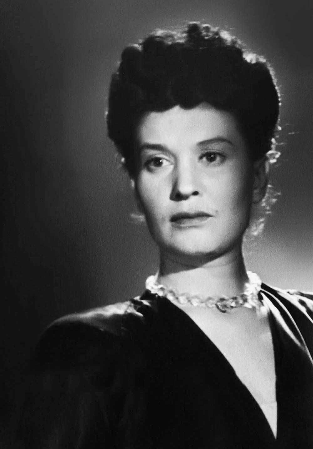 Нина Алисова, средина 1940-х  гг.