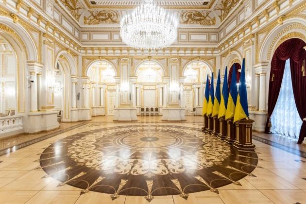 Мариинским дворцом начнут проводить экскурсии