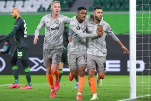 """""""Шахтар"""" розгромив """"Вольфсбург"""" і вийшов до чвертьфіналу Ліги Європи УЄФА"""