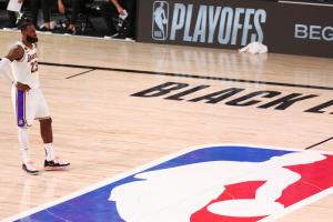"""Баскетболисты """"Лейкерс"""" выиграли Западную конференцию НБА впервые за 10 лет"""