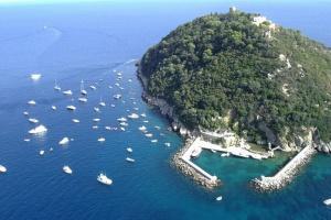 """Sohn des Ex-Eigentümer von """"Motor Sitsch"""" kauft Insel in Italien für 10 Mio. Euro"""