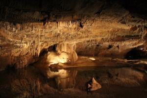Найдивовижніші печери України, які варто побачити