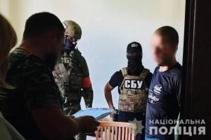クリミア占領に加担の「自警団」元メンバーをキーウ市内で拘束