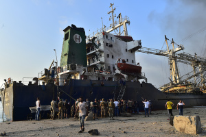 Взрывы в Бейруте: таможня несколько раз требовала убрать опасный груз из порта