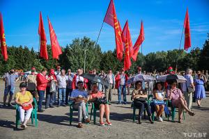 У Мінську тисячі людей зібралися на підтримку Тихановської