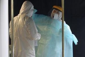 """В Польше зафиксировали """"антирекордные"""" 809 случаев коронавируса в сутки"""