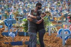 У Бразилії від коронавірусу померли вже понад 100 тисяч людей