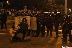 У Білорусі вночі знову тривали протести та сутички з міліцією