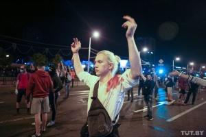 Друга протестна ніч в Білорусі: силовики знову жорстоко розганяли людей