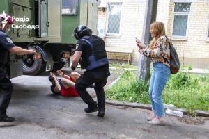 Суд закрыл дело активиста Кирьякова, задержанного на акции в поддержку Стерненко