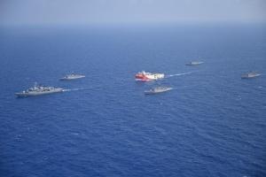 Туреччина вивела в Середземне море військові кораблі для захисту дослідницького судна