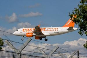 Один из крупнейших лоукостов Европы easyJet получил разрешение летать из Италии в Украину - СМИ