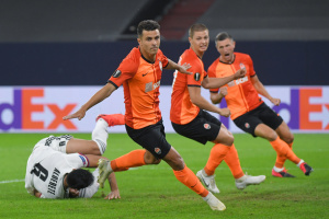 Shakhtar Donetsk beats Basel 4-1 to reach Europa League semifinal