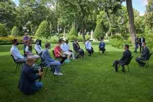 Зеленський сподівається, що до кінця його каденції вчителі більше зароблятимуть