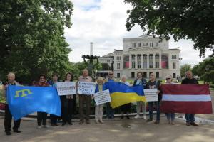 Узник Кремля Аметов поблагодарил украинских активистов в Латвии за поддержку