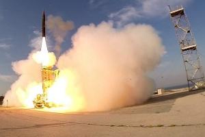 Ізраїль і США випробували систему протиракетної оборони Arrow 2