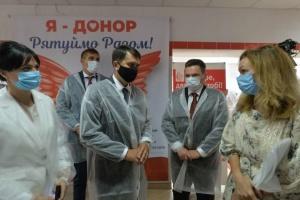 Разумков у Сумах відвідав обласний центр Служби крові