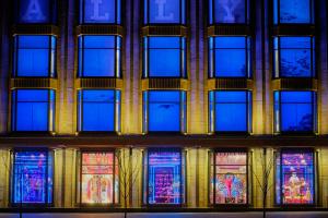 Витрины киевского ЦУМа стали лучшим проектом года на международном конкурсе