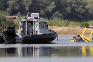 В Польше вертолет упал в речку, есть пострадавшие