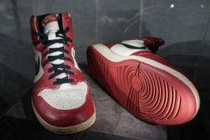 Ще одну пару кросівок Майкла Джордана пустили з молотка за рекордну суму