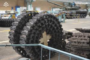 В Україні запустили серійне виробництво гусениць для БМП
