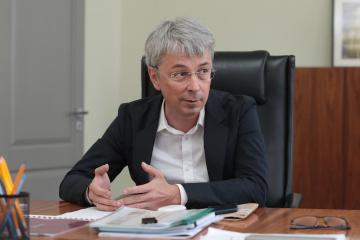 Tkachenko anuncia una serie de mesas redondas sobre cultura de diálogo, arte, lengua, religión
