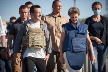 La presidenta suiza aún impresionada por el viaje a Donbas, envía una carta a Zelensky