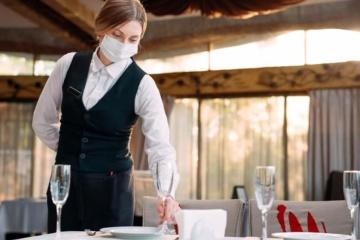 «Желтая» зона на Закарпатье: рестораны открыли, но свадьбы и дискотеки - под запретом